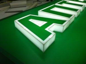 Изготовление объемных световых букв в Харькове